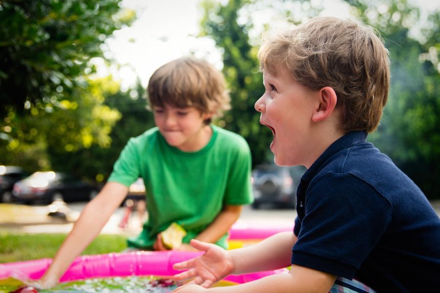 Activité Montessori – Préparer le repas : autonomie pour eux et pause pour vous