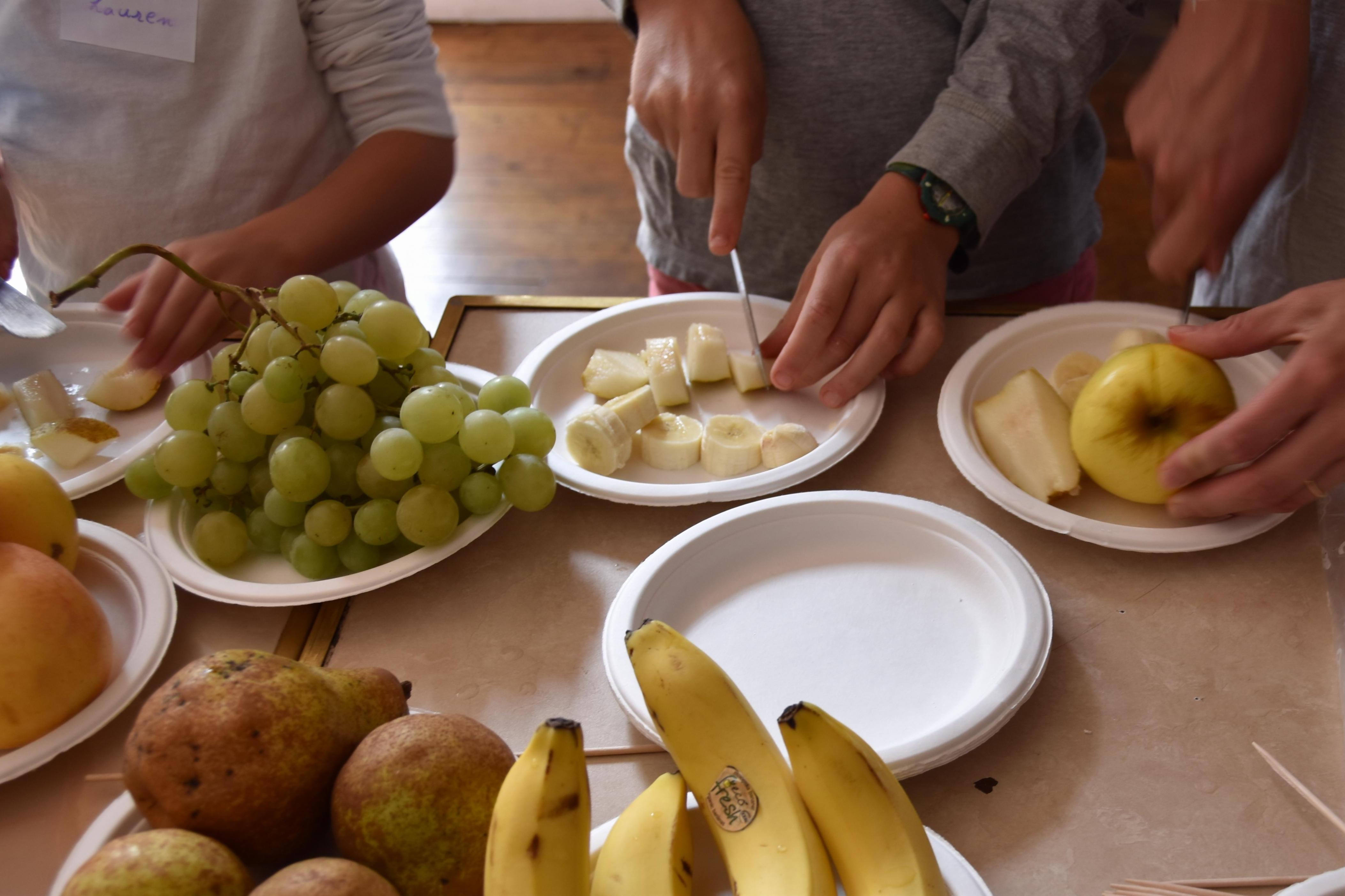 couper-les-fruits-et-légumes-enfants