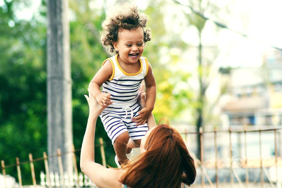 Bien organiser son babysitting : nos 5 astuces !