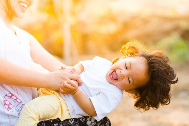 Combien et comment payer un babysitter?