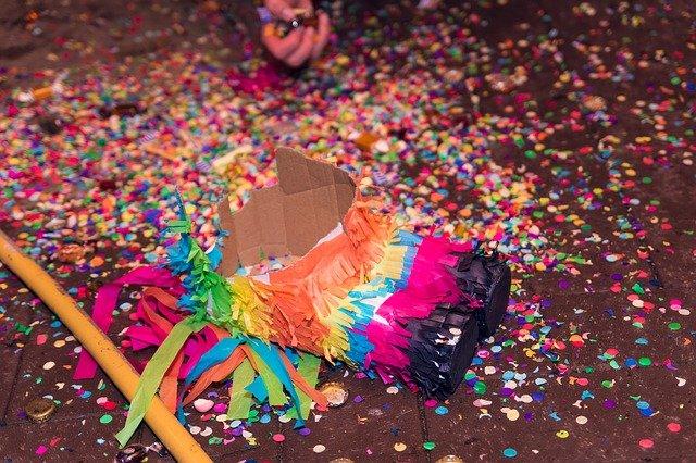 une piñata pour un anniversaire