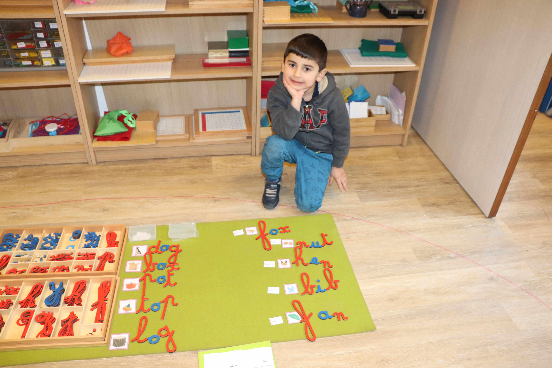 Dois-je me tourner vers une école Montessori pour mon enfant?